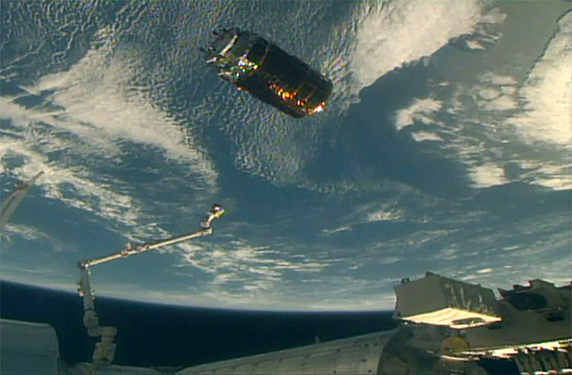 HTV7 Departs from ISS