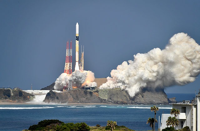 "Successful Launch, H-IIA Launch Vehicle No. 40 Encapsulating ""IBUKI-2""(GOSAT-2) and KhalifaSat"
