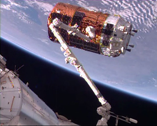 KOUNOTORI6 berthed at ISS!