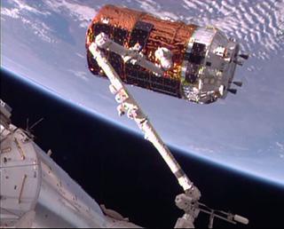 KOUNOTORI6 berthed at ISS!
